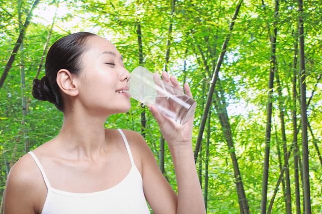 你喝水的方法真的没问题吗?让万博体育appios万博体育官网下载代理厂家告诉你